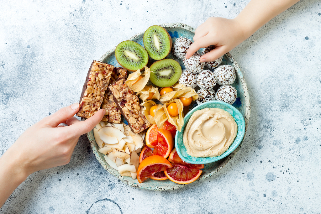 healthy-snacks-for-work-from-home